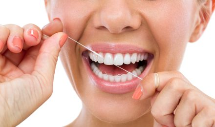 Cos'è La Parodontite Quali fattori favoriscono la parodontite? Vediamo un elenco dei fattori che favoriscono la parodontite: 2