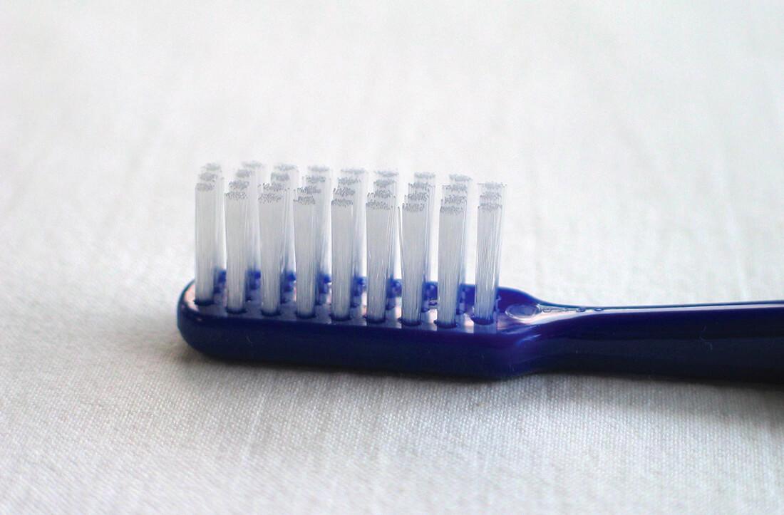spazzolino dentale come spazzolare i denti
