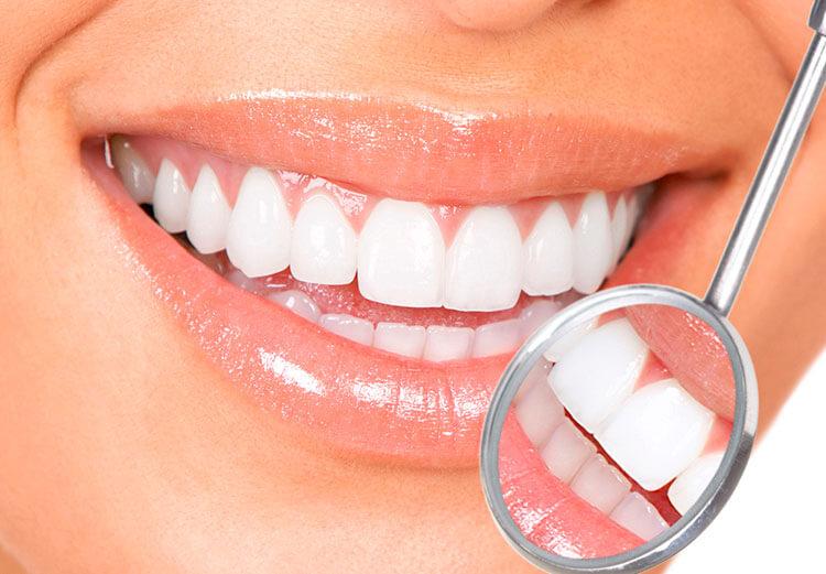 estetica dentale -studio-dentistico-aiello-dottoressa-daniela-aiello-visita-oral